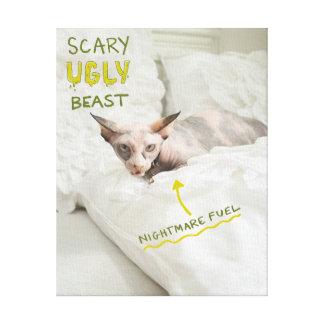 Gato feo asustadizo lienzo envuelto para galerias