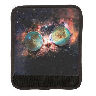 Gato fresco del espacio con los vidrios del funda para asa de maleta