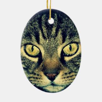 Gato glaring gris adorno navideño ovalado de cerámica