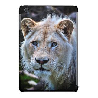 Gato grande blanco salvaje de Cub de león Funda De iPad Mini