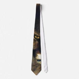 Gato grande del león de montaña del puma que pinta corbata