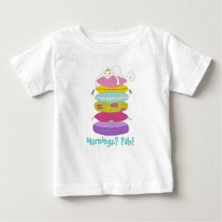 Gato gruñón de la princesa y las camisetas del camisas