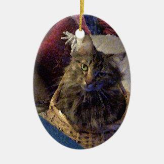 Gato hermoso del gatito del Coon de Maine del Adorno Navideño Ovalado De Cerámica