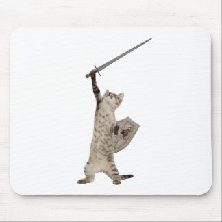 Gato heroico del caballero del guerrero alfombrillas de raton