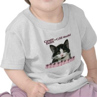 Gato-itude loco de Felix en rosa Camisetas