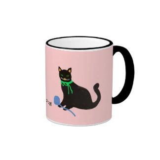 Gato juguetón taza de dos colores