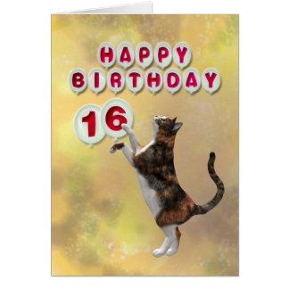 Gato juguetón y décimosexto globos del feliz cumpl tarjetón