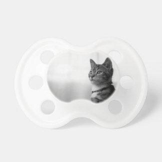 Gato lindo chupetes de bebé