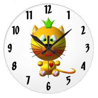 Gato lindo con el reloj de la corona
