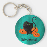 Gato lindo de Halloween con las calabazas Llavero Redondo Tipo Pin