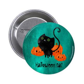 Gato lindo de Halloween con las calabazas Pin Redondo 5 Cm