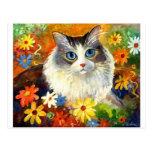 Gato lindo de Ragdoll con las flores Postal