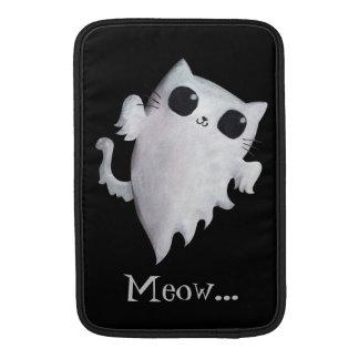 Gato lindo del fantasma de Halloween Fundas Macbook Air