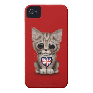 Gato lindo del gatito con el corazón británico de Case-Mate iPhone 4 carcasas