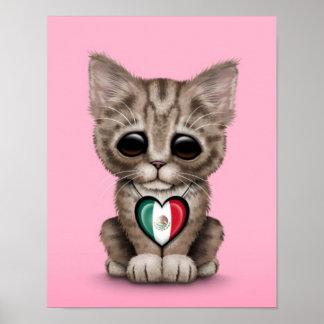 Gato lindo del gatito con el corazón de la bandera impresiones