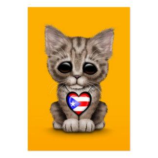 Gato lindo del gatito con el corazón de la bandera tarjetas de visita grandes