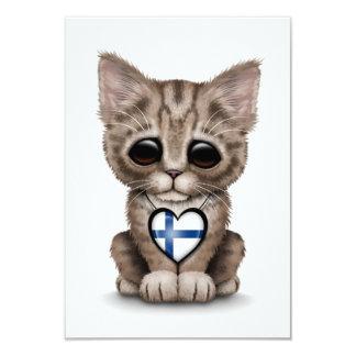 """Gato lindo del gatito con el corazón finlandés de invitación 3.5"""" x 5"""""""
