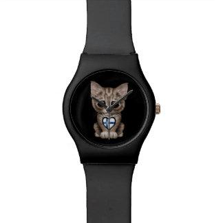 Gato lindo del gatito con el corazón finlandés de  relojes de mano
