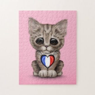 Gato lindo del gatito con el corazón francés de la rompecabezas con fotos