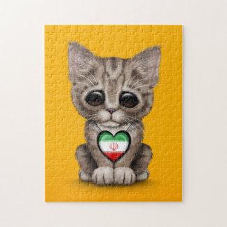 Gato lindo del gatito con el corazón iraní de la b puzzles