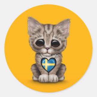 Gato lindo del gatito con el corazón sueco de la b etiquetas