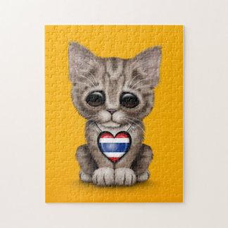 Gato lindo del gatito con el corazón tailandés de  puzzles con fotos