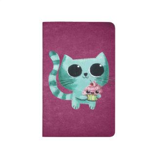 Gato lindo del gatito con la magdalena de Kawaii Cuaderno Grapado