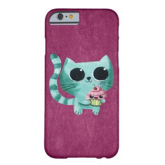 Gato lindo del gatito con la magdalena de Kawaii Funda Para iPhone 6 Barely There