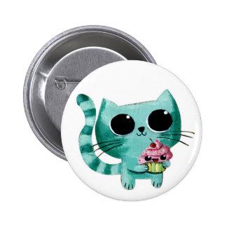 Gato lindo del gatito con la magdalena de Kawaii Pin Redondo De 2 Pulgadas
