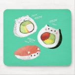 Gato lindo del sushi alfombrilla de ratón