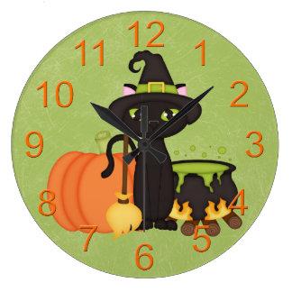 Gato lindo retro del búho de Halloween Relojes