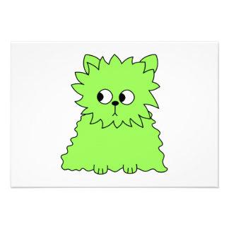 Gato mullido de la verde lima invitaciones personalizada