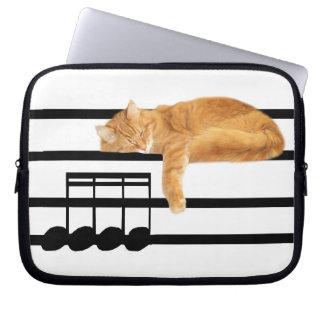 Gato musical del gatito del tabby funda ordendadores