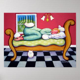 Gato Napping - una mujer Naps con sus gatos Póster