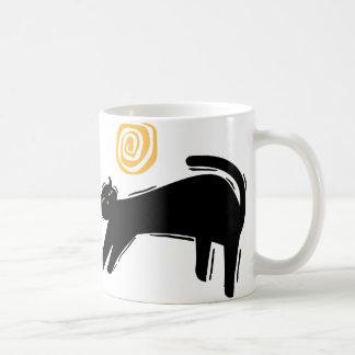 Gato negro afortunado taza clásica