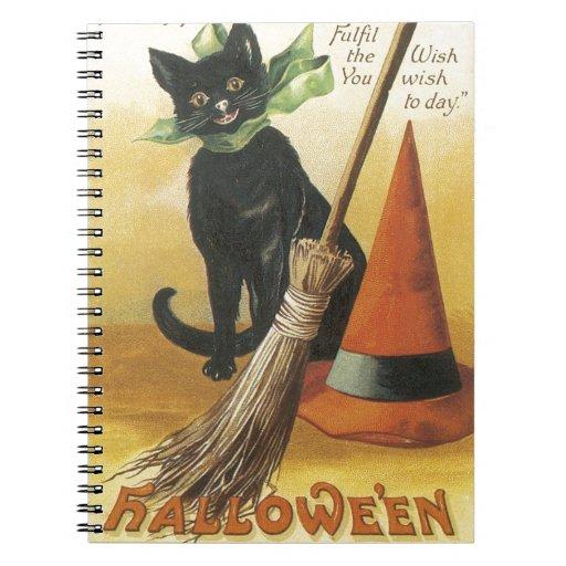 Gato negro amistoso pasado de moda de Halloween Libro De Apuntes Con Espiral
