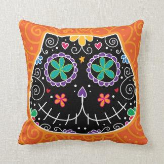 Gato negro almohadas