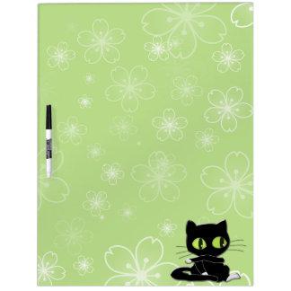 gato negro con los calcetines blancos pizarra blanca