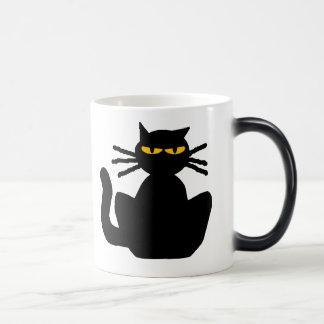 Gato negro con los ojos ambarinos taza mágica