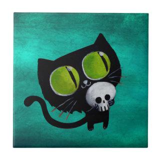 Gato negro de Halloween con el cráneo Azulejo Cuadrado Pequeño