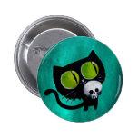 Gato negro de Halloween con el cráneo Pin Redondo De 2 Pulgadas