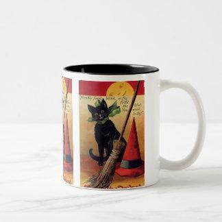 Gato negro de Halloween del vintage, la escoba de Taza De Café De Dos Colores