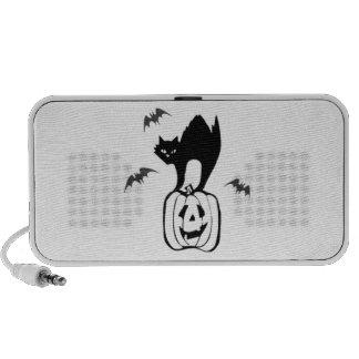 Gato negro de Halloween en la calabaza iPod Altavoz
