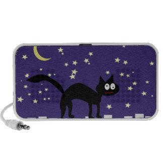 Gato negro de Halloween en la cerca Mini Altavoz