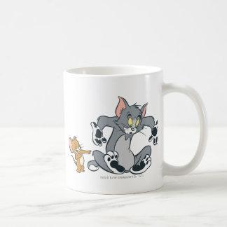 Gato negro de la pata de Tom y Jerry Taza Básica Blanca
