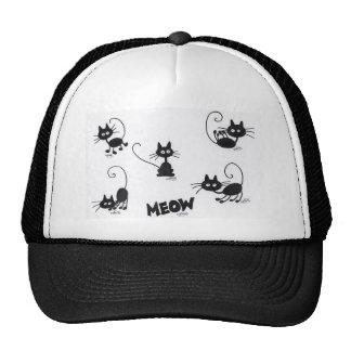 Gato negro del dibujo animado gorro