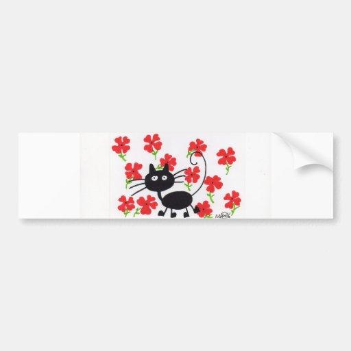 Gato negro del dibujo animado y flores rojas pegatina de parachoque