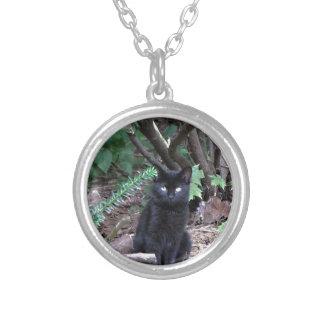 Gato negro del gatito colgante redondo