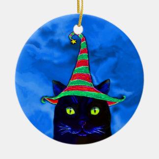 Gato negro del navidad con un ornamento del gorra adorno navideño redondo de cerámica