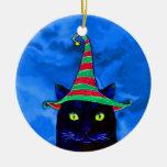 Gato negro del navidad con un ornamento del gorra ornamento para arbol de navidad